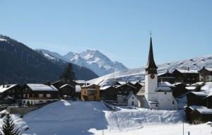 snowy-mountain-village-1378432-639x406