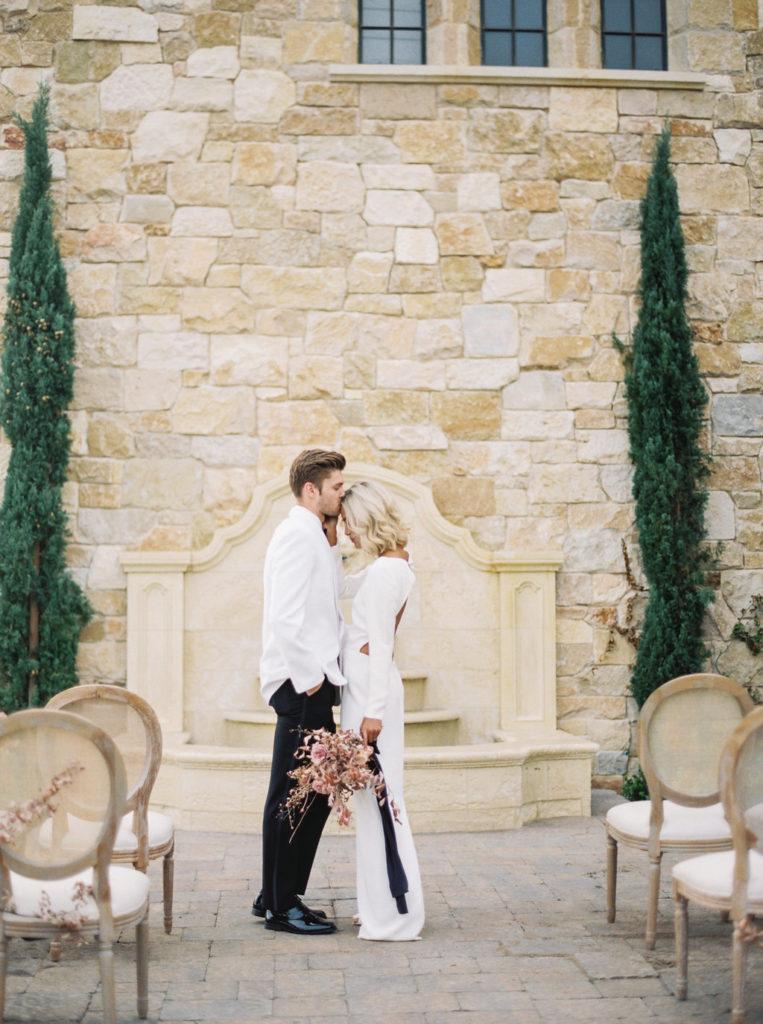 Contemporary Malibu California Elopement | Alice Ahn LA SF Hawaii wedding photographer
