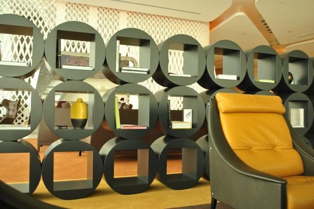 Yas Hotel Lobby: D3000 f/4.5; Exposure 1/60sec; ISO-400 Aperture Priority