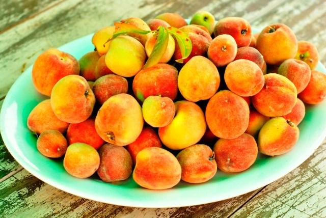 Australian hand-picked peaches: f/3.5; 1/800sec; ISO-200