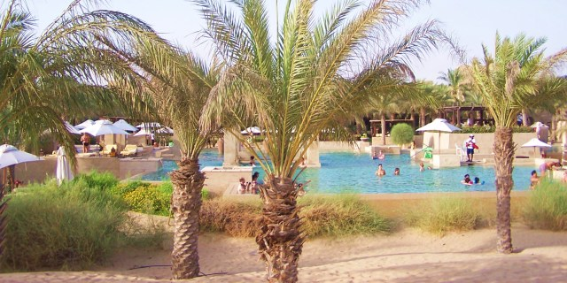 Oasis, Pool, Date Palms of Bab Al Shams: f/2.8; 1/500sec