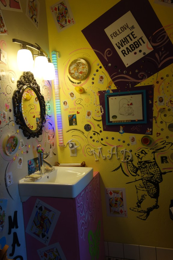 Alice in Wonderland bathroom