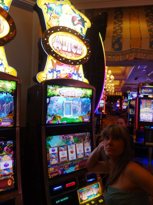 Alice in wonderland Las Vegas slots