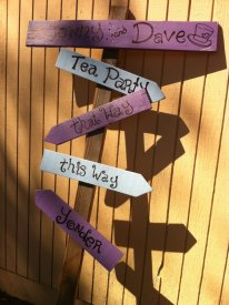 Isn't this sign adorable!? Handmade by Janina (wish you were there, Nana!)