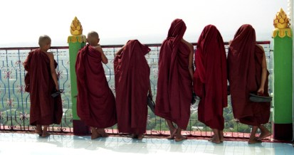 burmese-monks