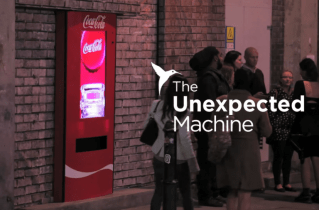 dans-ta-pub-coca-cola-ibiza-festival-london-the-unexpected-machine-768x506