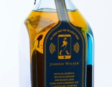 johnnie-walker-bouteille-whisky-connectee-2