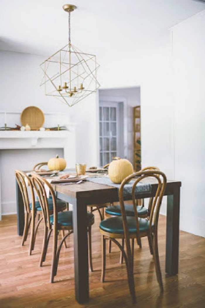 Dining room decorated for fall post preview