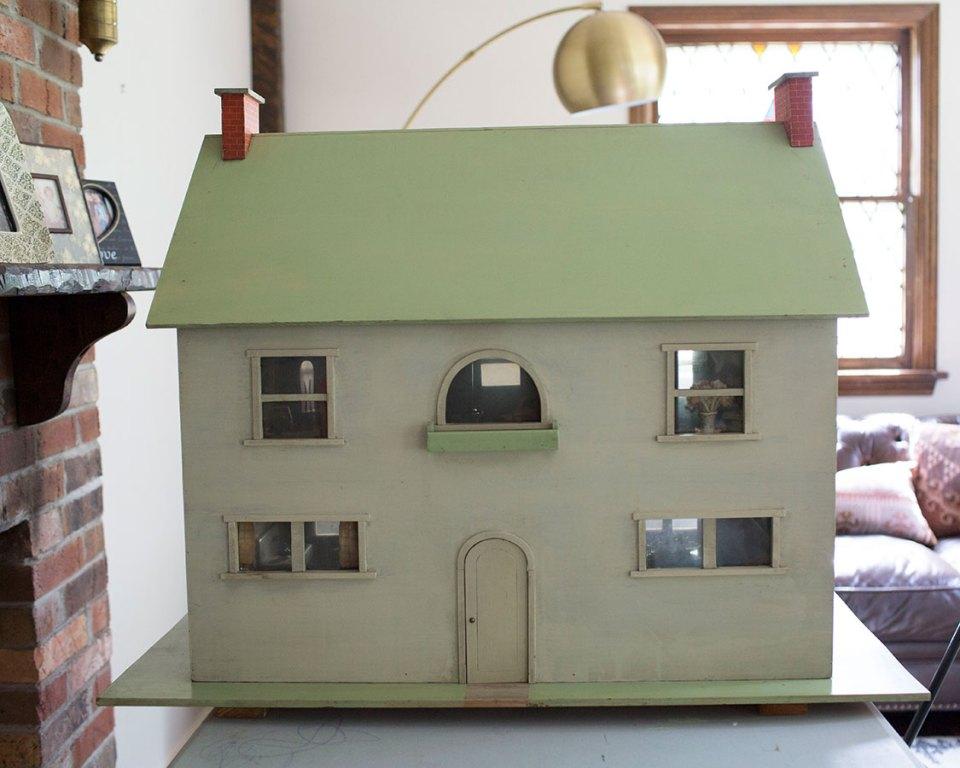 Antique-Wooden-Dollhouse-Circa-1930s