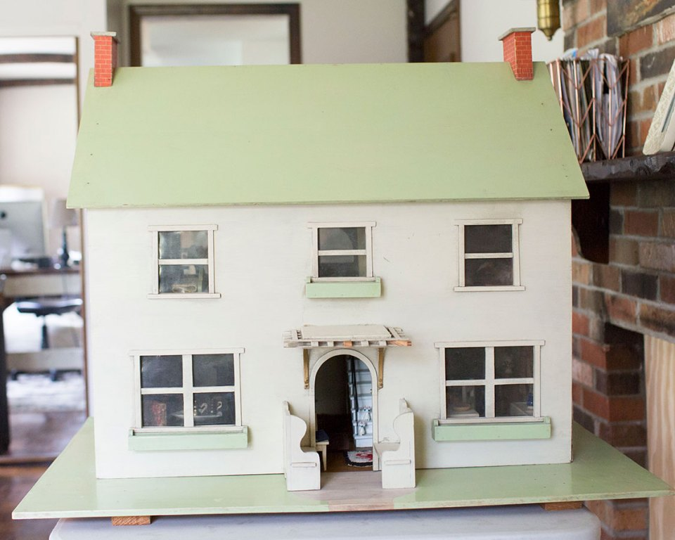 Handmade-Dollhouse-Closed-Backside-View