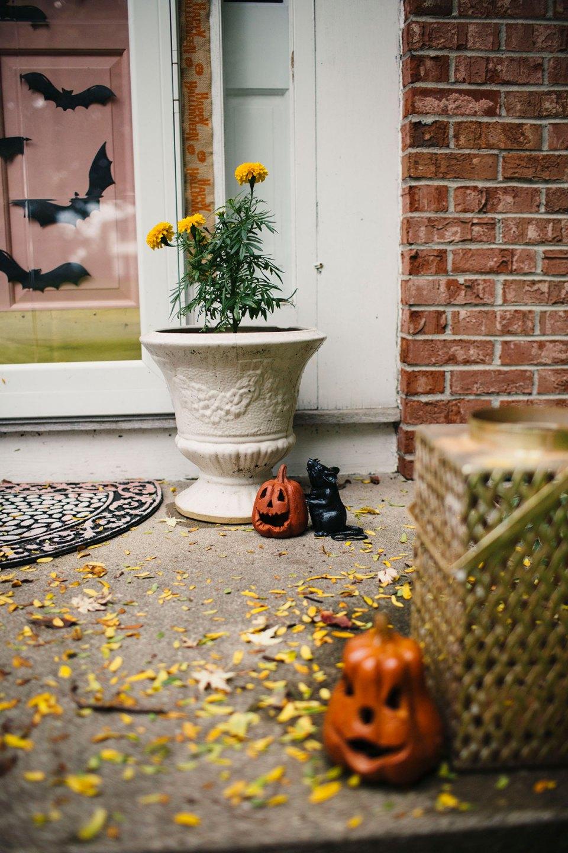 Bats-and-Rats-Halloween-Porch