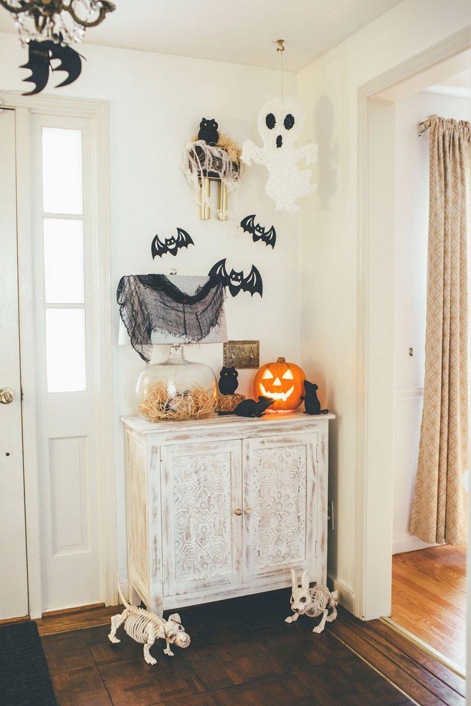 Halloween Entryway with Bats