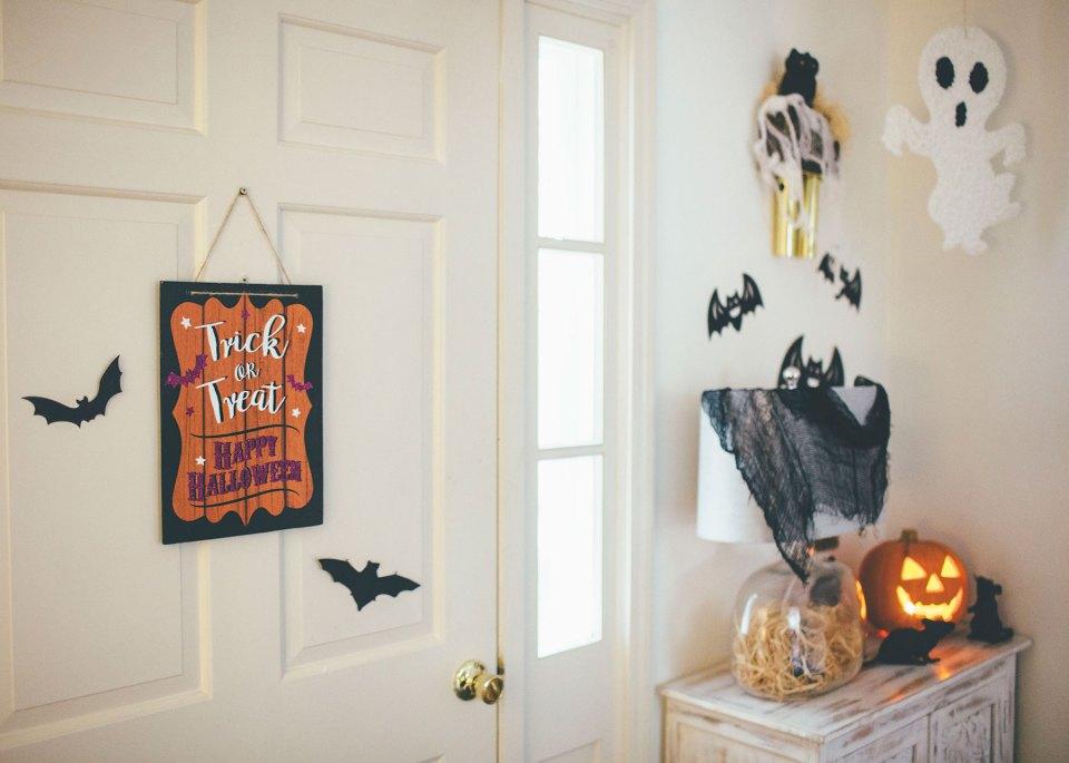 Halloween Entryway Decorating Ideas
