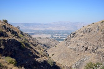 Golan heights hike through Nahal Jilabun