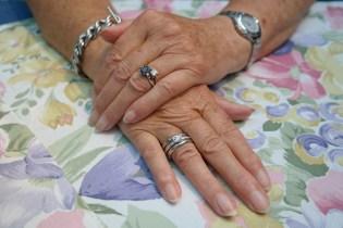 hands-195653_1920