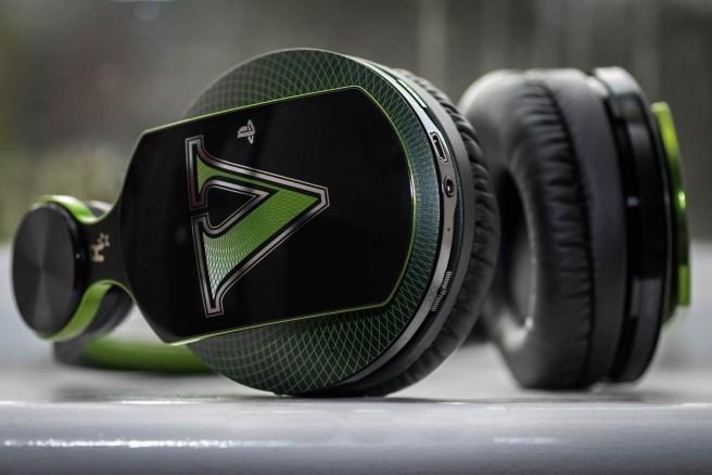 headphones-933157_1920