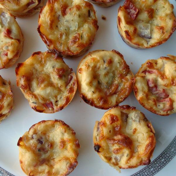 Garden Pizza Puffs