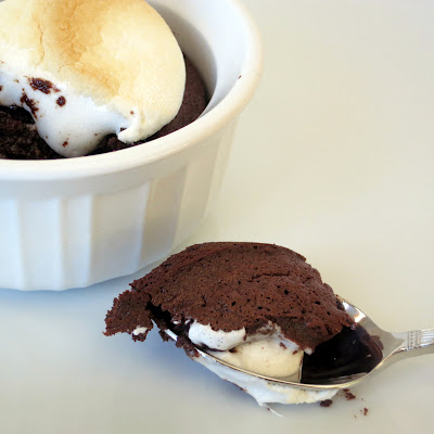 easy warm chocolate pudding cakes with a toasted marshmallow