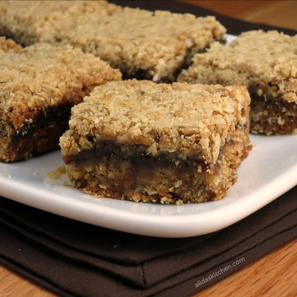 easy date bars | www.alidaskitchen.com | #smartcookie #ad