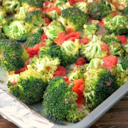 An easy recipe for Oven Roasted Broccoli with Tomatoes {vegan, gluten free} | alidaskitchen.com
