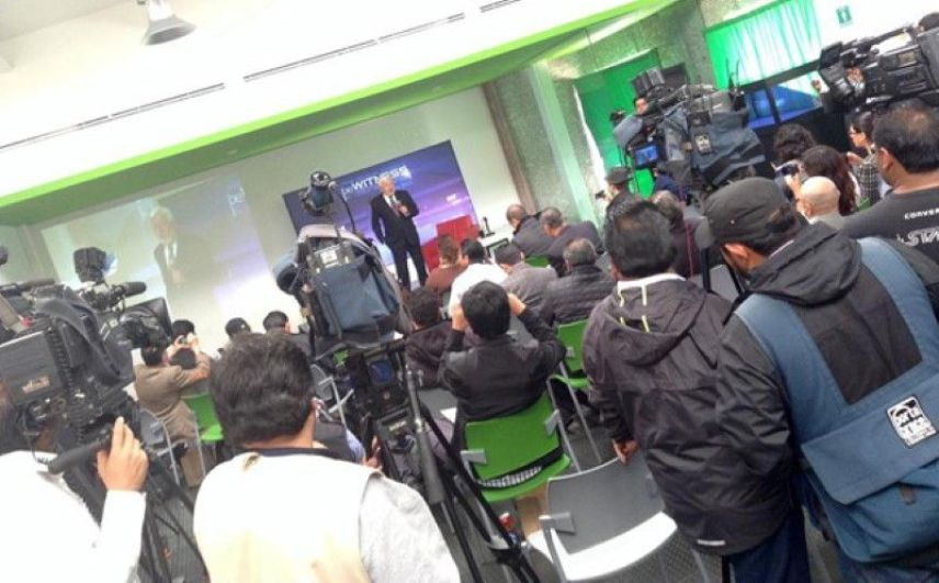 Jaime Maussan addresses the press in Mexico. (Credit: Tercermilenio.tv)
