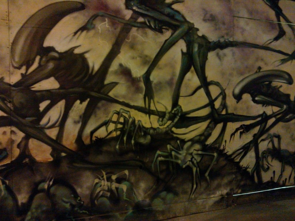 Check out this mind-blowingly cool Alien graffiti in 17 awesome pics