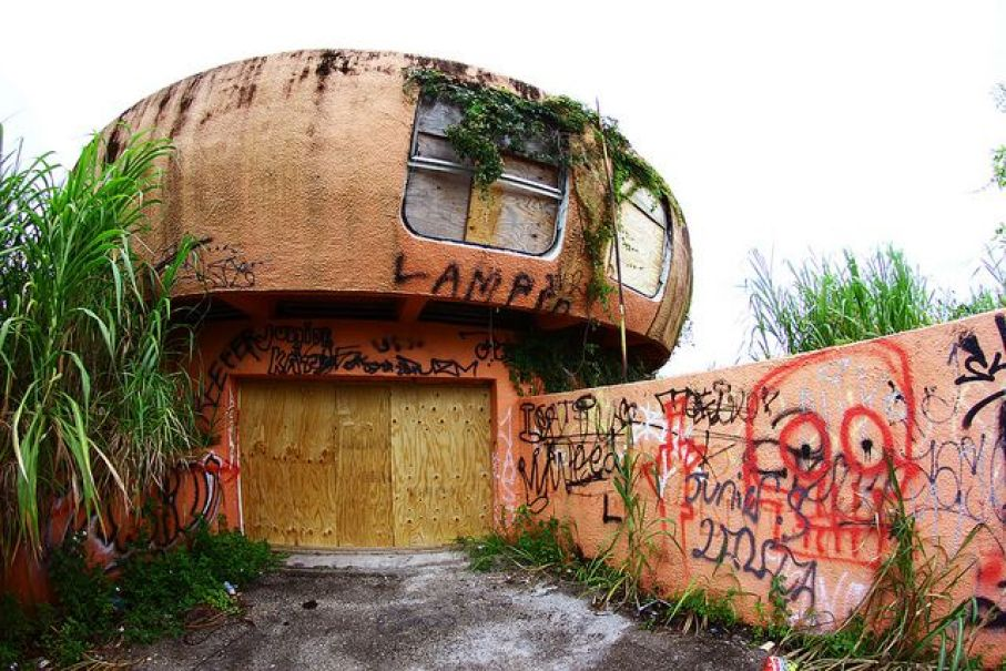 UFO-house-abandoned-homestead-florida