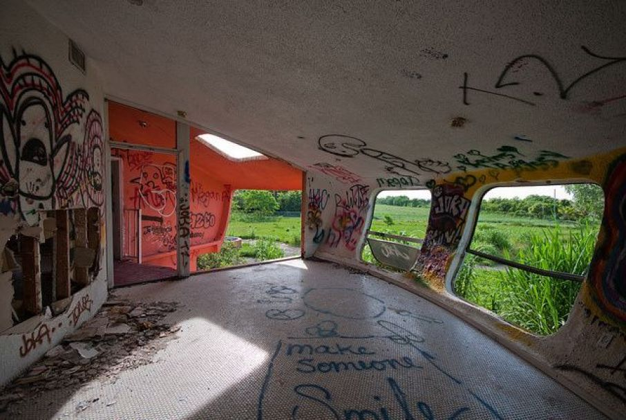 abandoned-ufo-house-homestead-florida-2