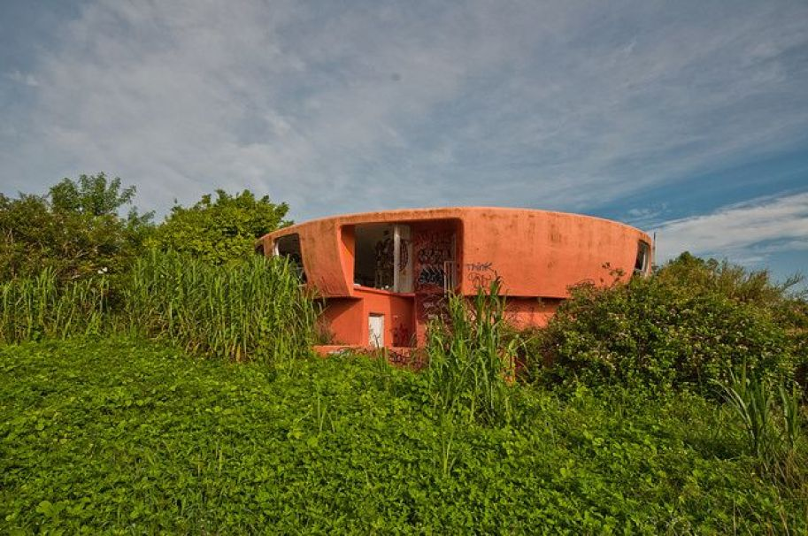 abandoned-ufo-house-homestead-florida-3