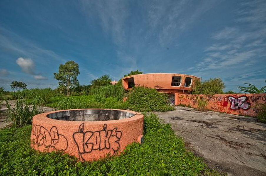 abandoned-ufo-house-homestead-florida-7
