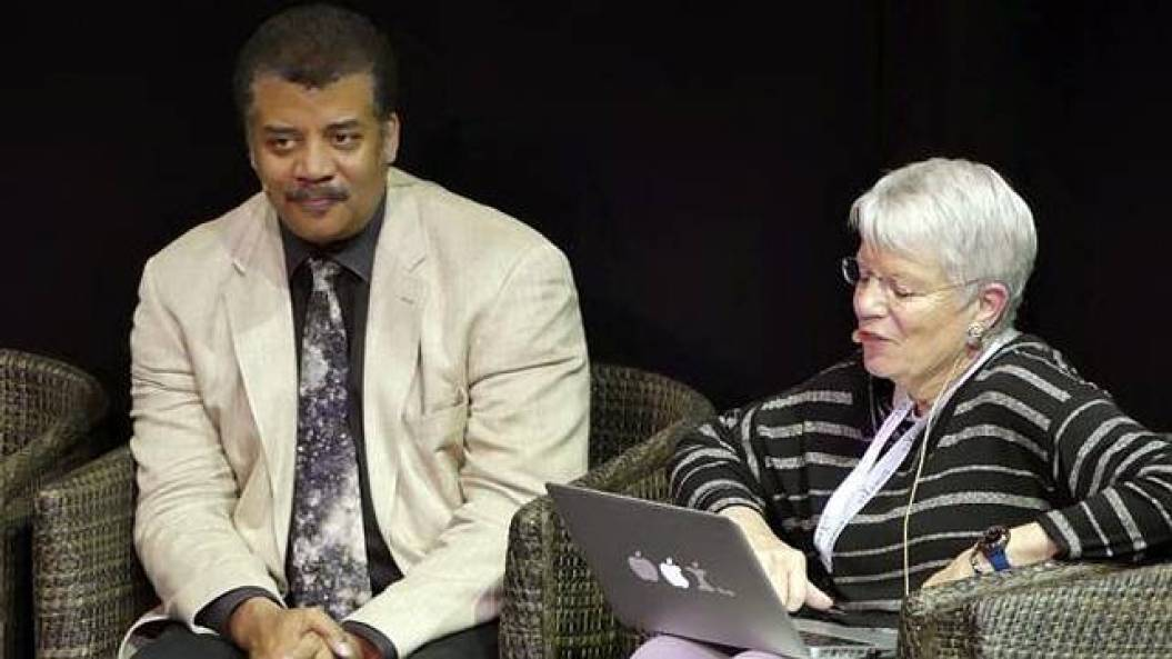 "Neil deGrasse Tyson: ""The aliens would see us as their pet"""