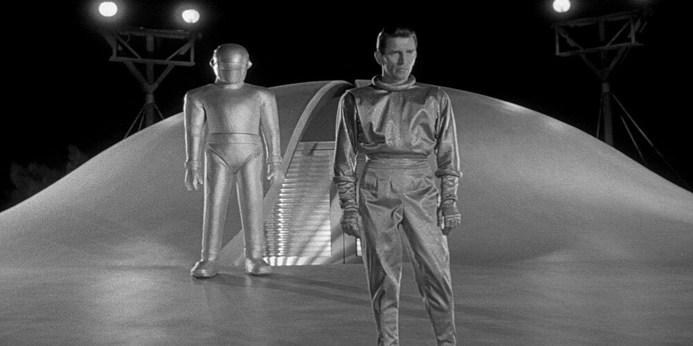 the day the earth stood still3 15 Movies That Prepared Us For An Alien Invasion