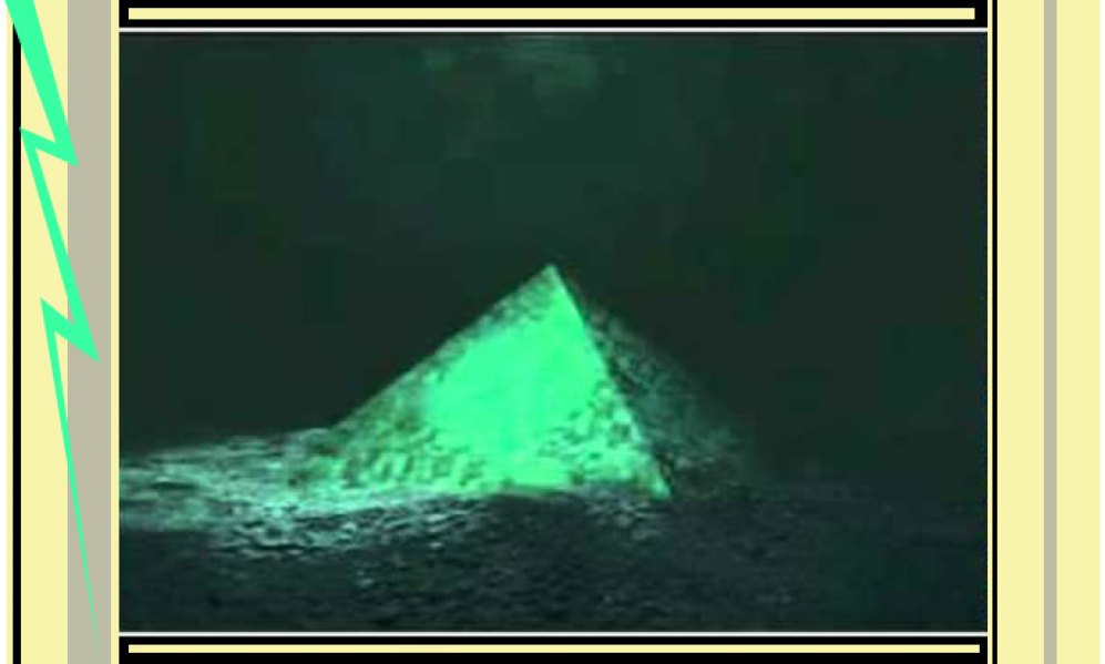 Pyramids-crystal-bermuda-688in