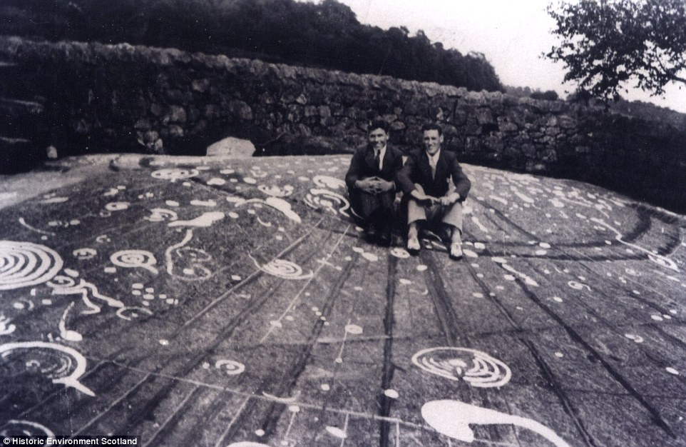 The huge 42 feet long stone slab was first discovered in 1887. It features around 90 cup and ball marks carved into its surface. the pictures above show the marks highlighted using white paint