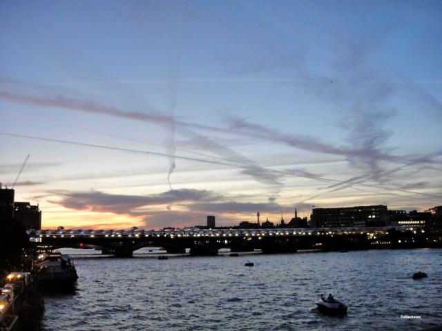 Zigzag over Thames