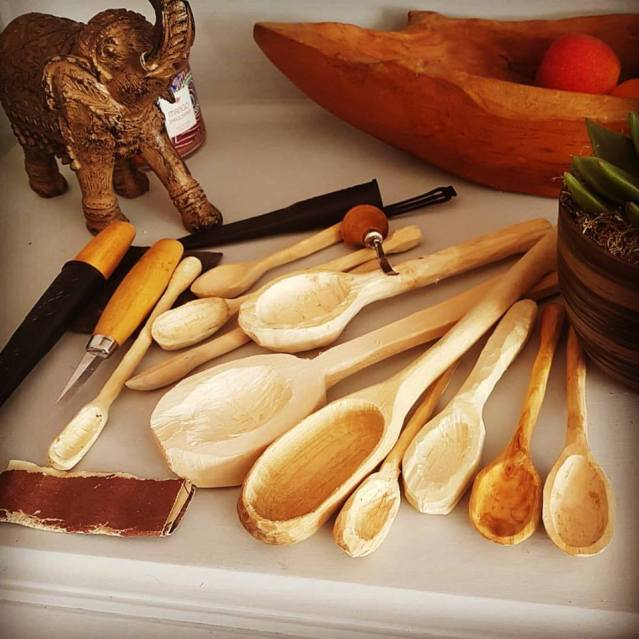 spoon whittling