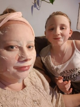 mother and daughter sheet masks