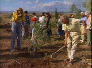 Paolo Soleri plants a tree