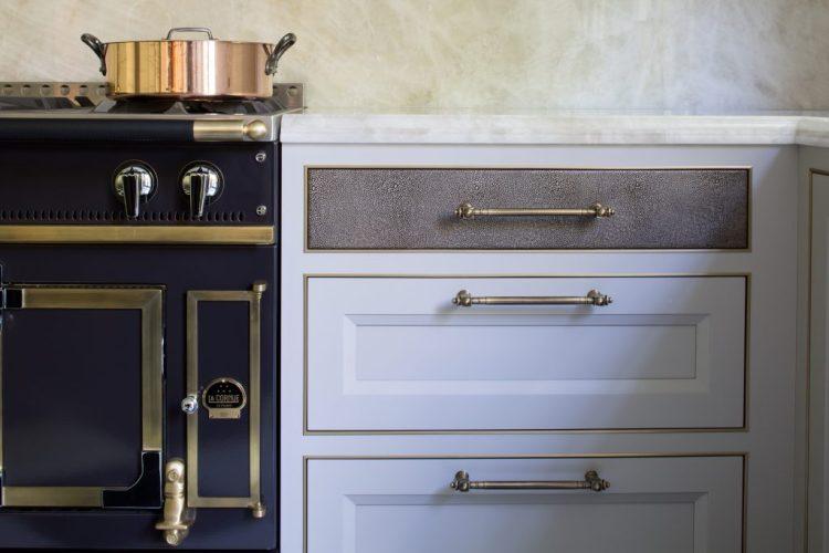 popular kitchen design trends 2018, cabinet color trends 2018