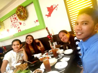 The obligatory groufie with the food. LOL!