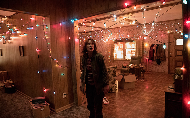 stranger-things-review-ew.jpg
