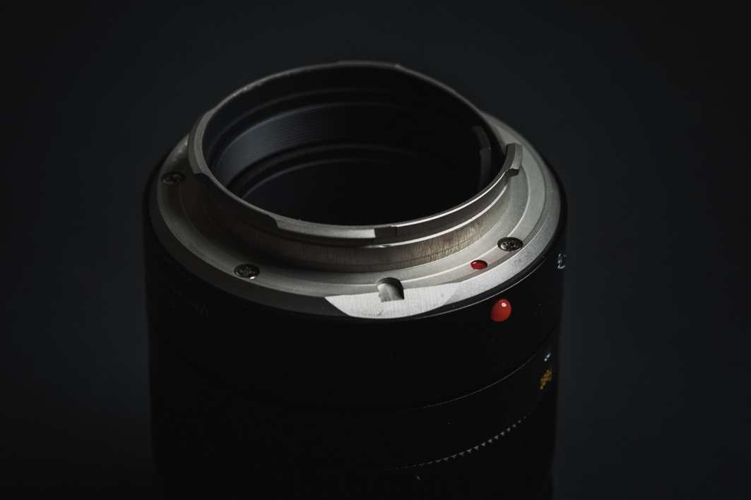 Handevision IBERIT 75mm f2.4 Product Shot