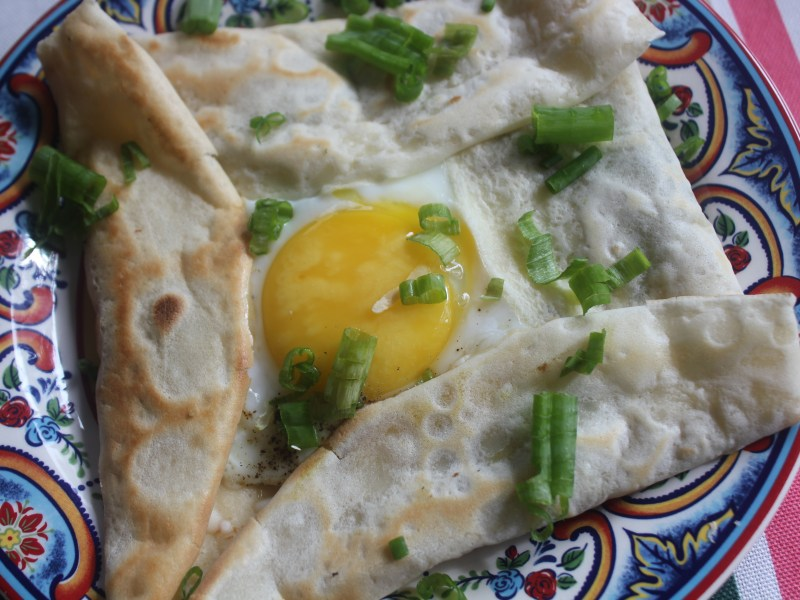 Spinach and Egg Crepe Pockets