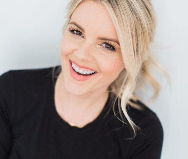 Ali Fedotowsky Is Best Known To Audiences As A Tv Host Personality And As The Season Six Bachelorette