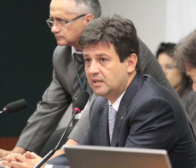 Especialistas internacionais criticam declarações de Mandetta