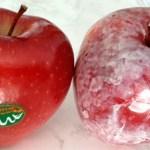 Vierte agua caliente en tus manzanas y ve si esta cera cancerígena aparece
