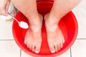 Como-eliminar-los-hongos-de-los-pies-con-bicarbonato-de-sodio