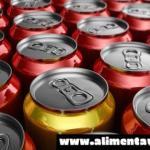 Un test de laboratorio desvela que todas las latas de refresco contienen tóxicos