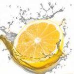 Remedio casero para mejorar el tránsito intestinal con limón