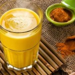 Leche dorada ayurvédica o golden milk, la fuerza de la cúrcuma